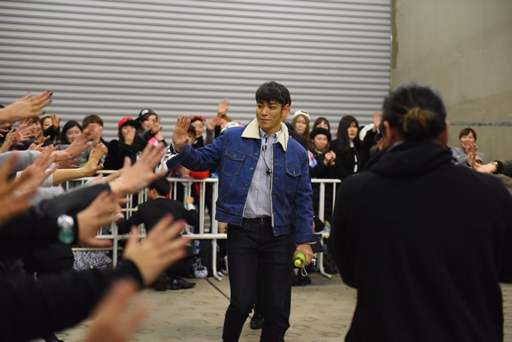 BIGBANG - Made Tour - Osaka - Backstage - 10jan2016 - YGEXStaff - 01.jpg