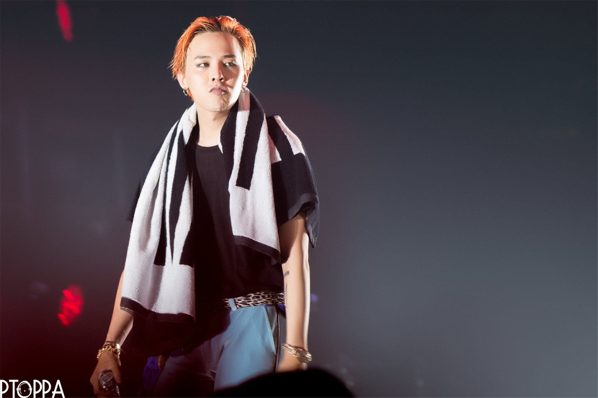BIGBANG - Made Tour 2015 - Singapore - 18jul2015 - PT.OPPA - 09 (Custom).jpg