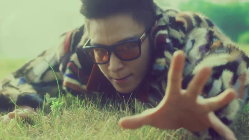 """13 GIF-able Moments From BIGBANG's """"Sober"""" Music Video"""