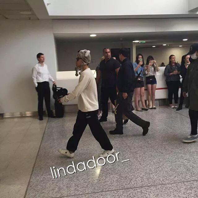 BIGBANG arrival Melbourne 2015-10-20 (5)