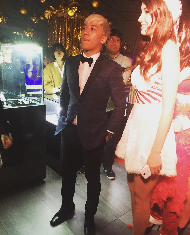 Yuan2_ Instagram Seungri Gatsbys Fantastic Festival 2015-12-24