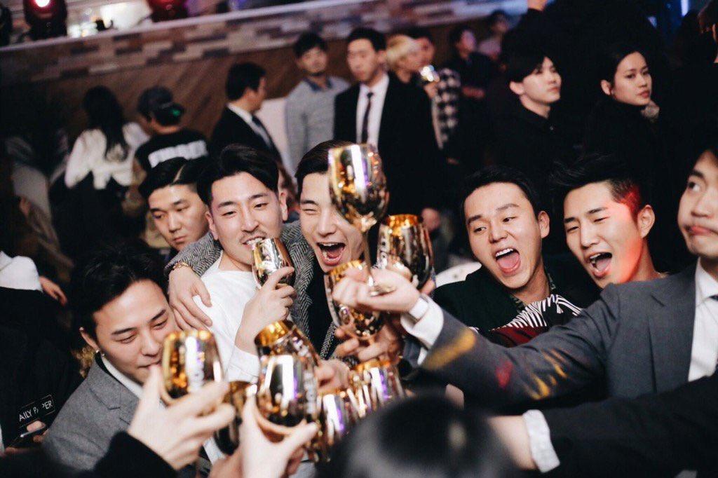 Vivixxx_ Gatsbys Fantastic Festival G-Dragon Seungri 2015-12-24 (2)