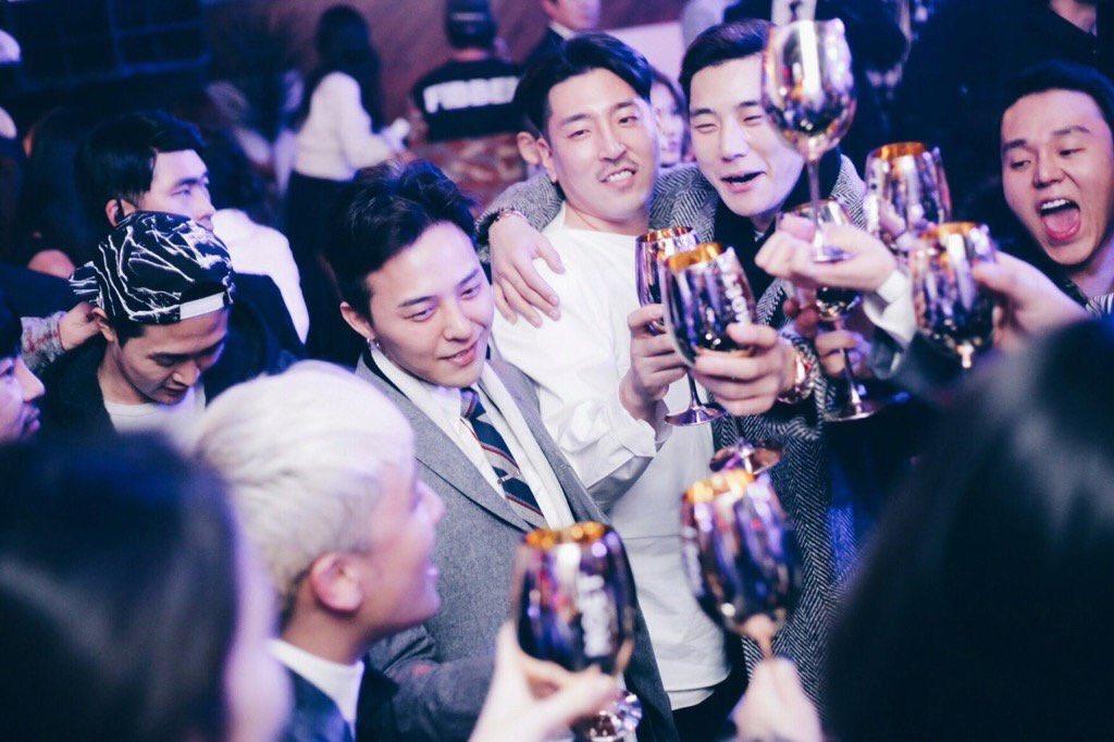 Vivixxx_ Gatsbys Fantastic Festival G-Dragon Seungri 2015-12-24 (4)