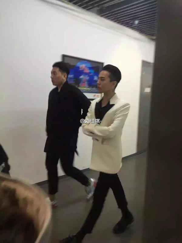 BIGBANG Backstage Hunan TV 2015-12-31 (3)