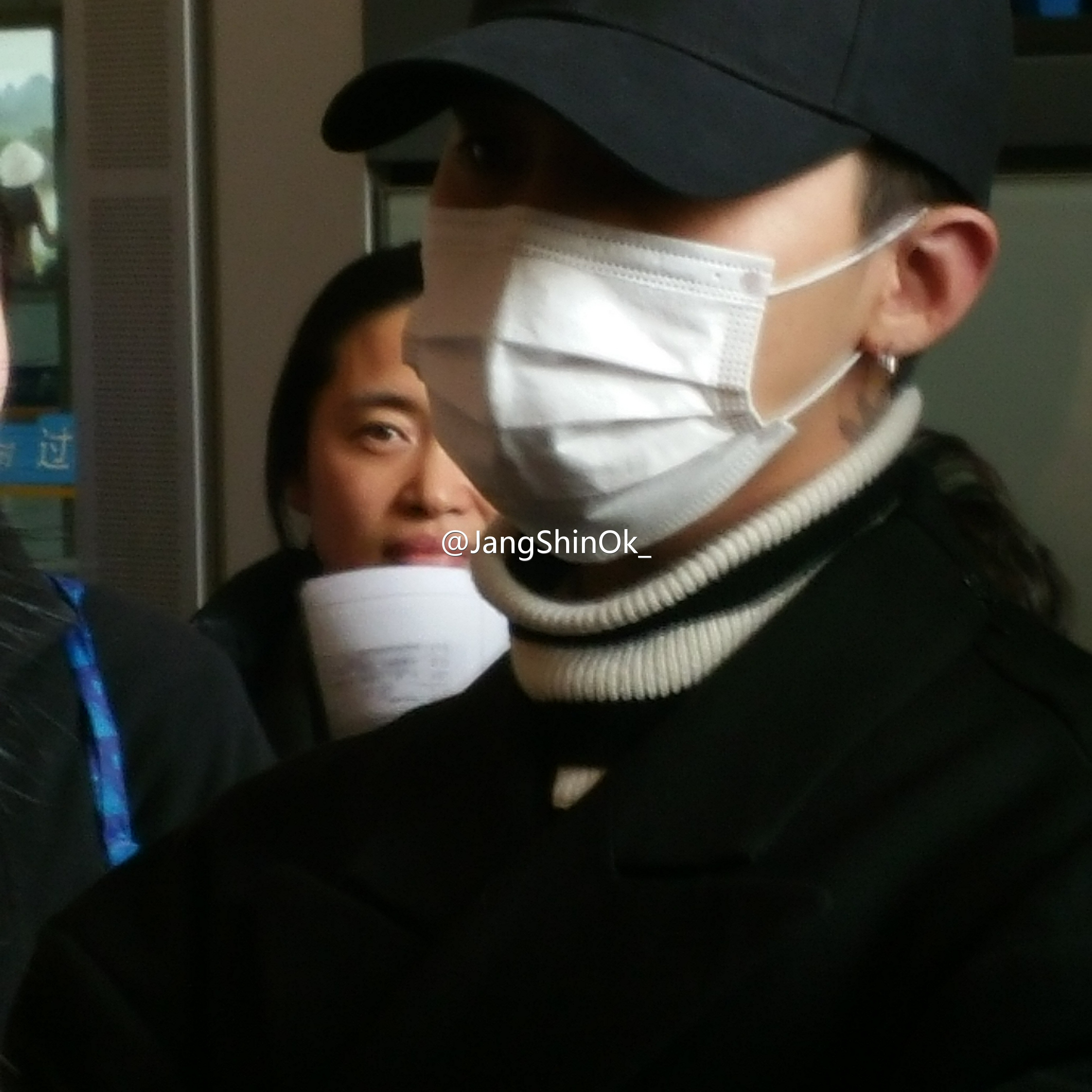 BIGBANG - Beijing Airport - 31dec2015 - JangShinOk_ - 01