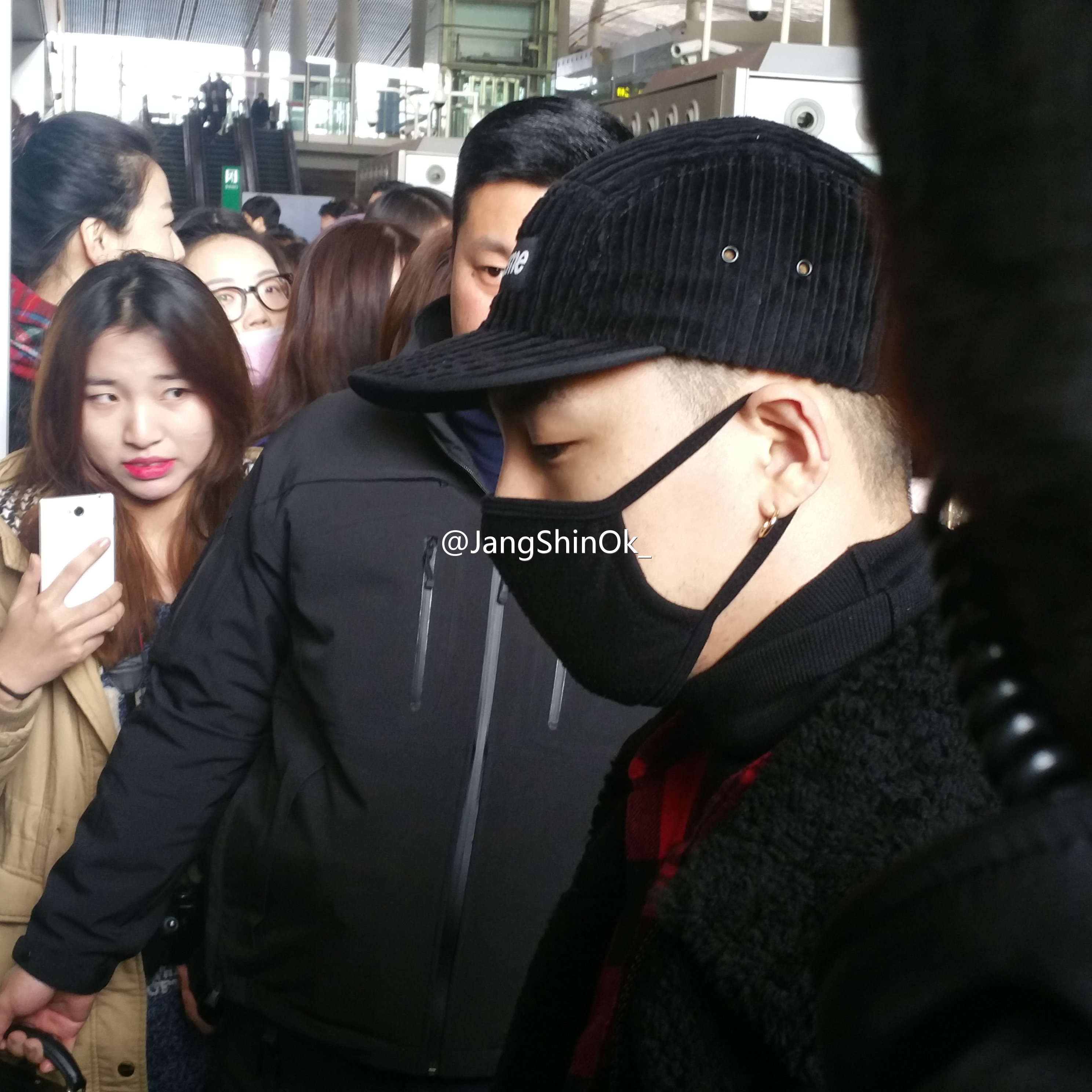 Big Bang - Beijing Airport - 31dec2015 - JangShinOk_ - 03