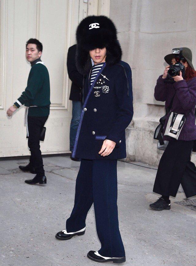 G-Dragon Chanel Haute Coutoure At Grand Palais Paris 2016-01-26 Press (7)