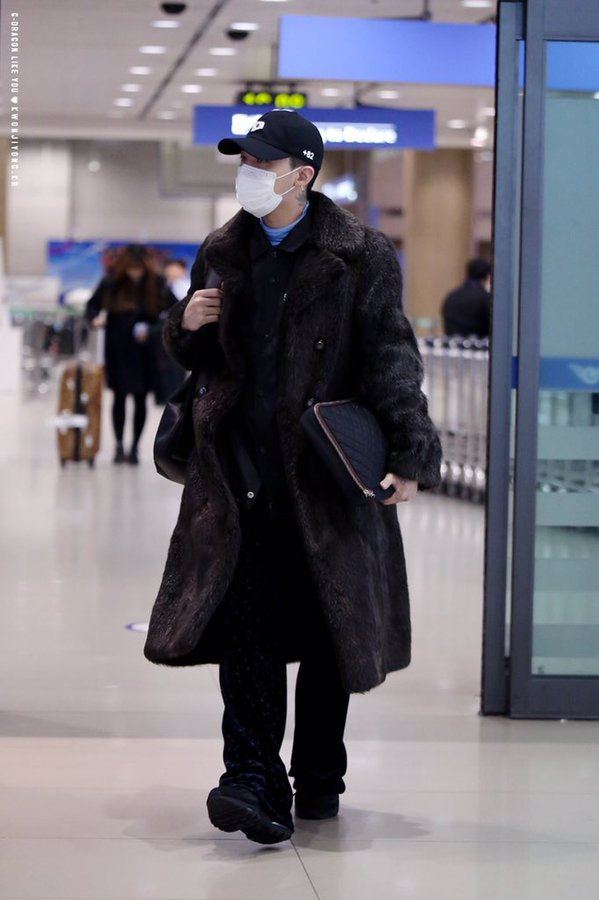 G-Dragon - Incheon Airport - 28jan2016 - Likeyou_GD - 04