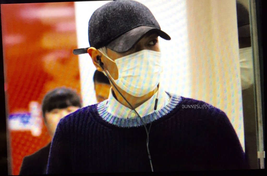 TOP Arrival Seoul From Japan 2016-02-12 (8)