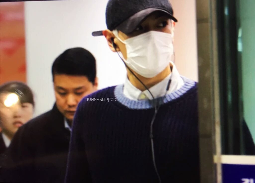 TOP Arrival Seoul From Japan 2016-02-12 (7)