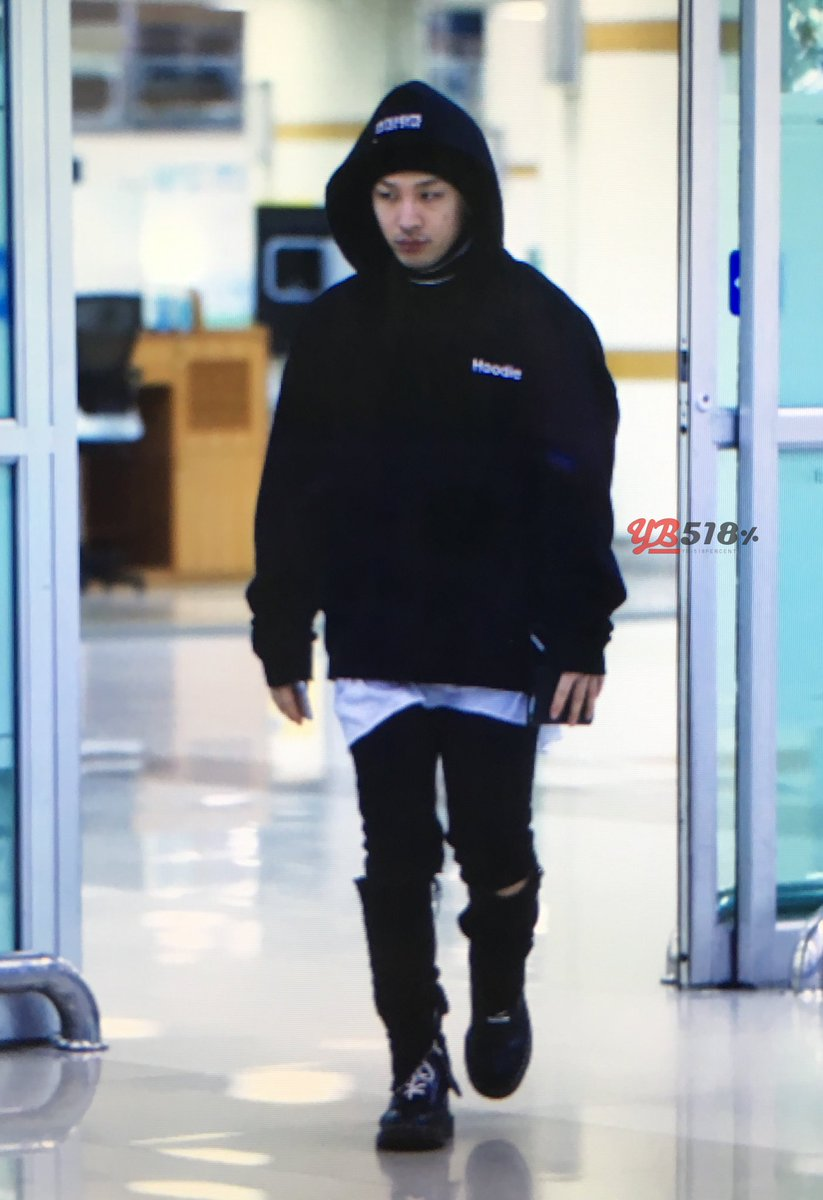 Taeyang Arrival Seoul From Tokyo 2016-02-25 (7)