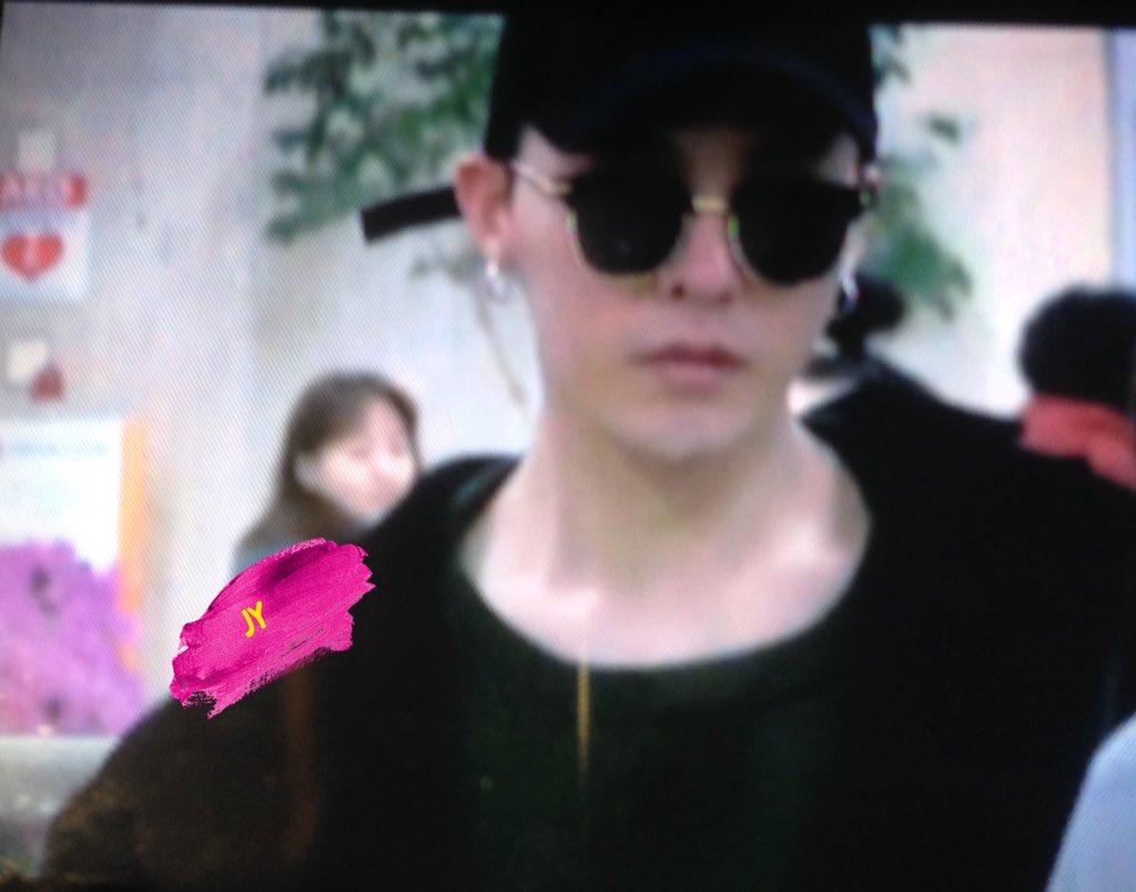 G-Dragon Arrival Seoul Gimpo 2016-02-25 (7)