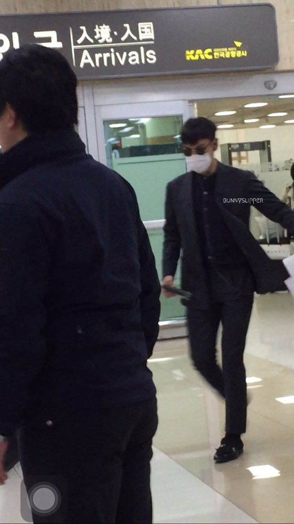 TOP Arrival Seoul Gimpo From Tokyo 2016-02-25 (3)