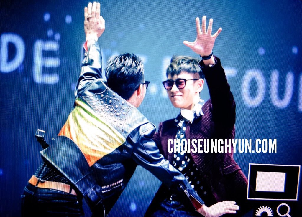 BIGBANG Fanmeeting Shanghai Day 2 Event 1 2016-03-12 (13)