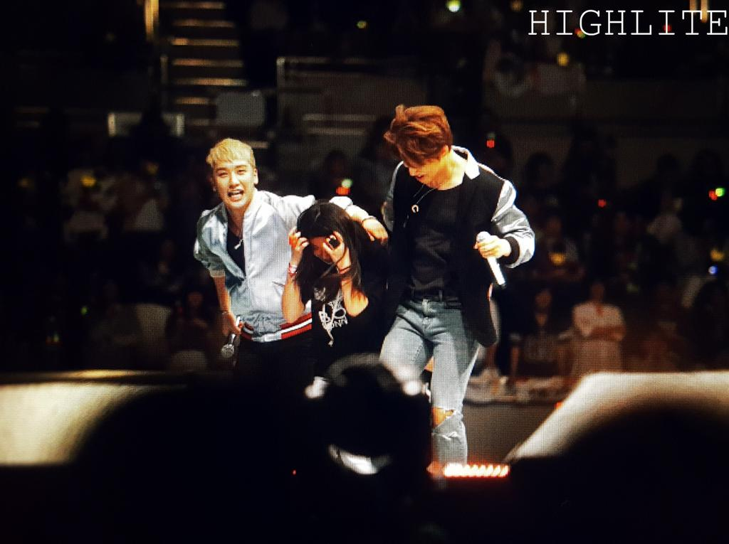 BIGBANG Kobe FM 2016-04-23 Day 2 (evening) (35)