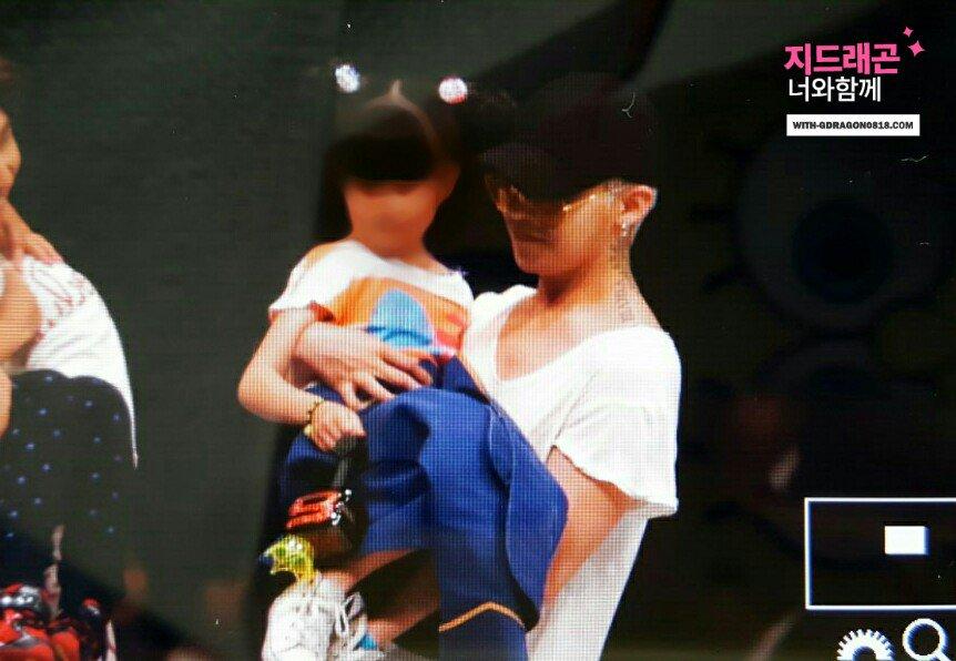 BIGBANG - FANTASTIC BABYS 2016 - Chiba - 05may2016 - With G-Dragon - 01