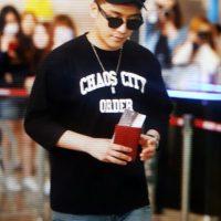 Seung_Ri_-_Tae_Yang_-_Gimpo_Airport_-_14may2016_-_Acetory_-_05