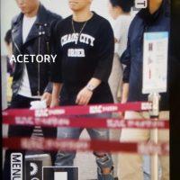 Seung_Ri_-_Tae_Yang_-_Gimpo_Airport_-_14may2016_-_Acetory_-_06