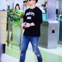 Seung_Ri_-_Tae_Yang_-_Gimpo_Airport_-_14may2016_-_Acetory_-_10