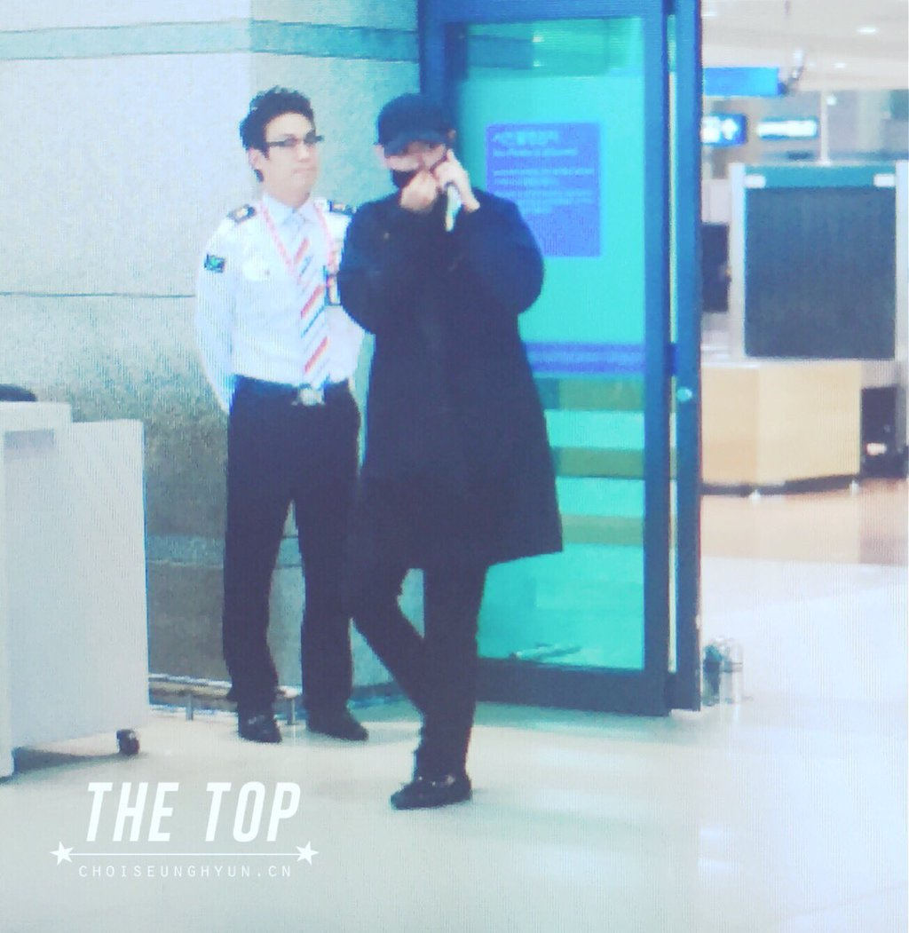 TOP Arrival Seoul Incheon 2016-05-20 (24)