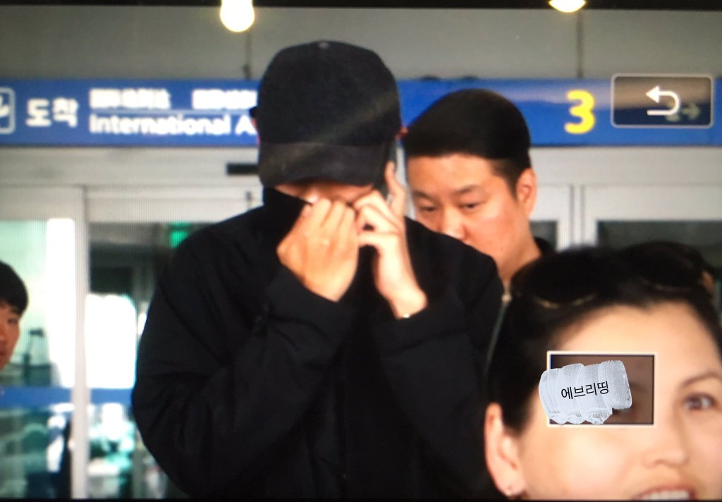 TOP Arrival Seoul Incheon 2016-05-20 (2)