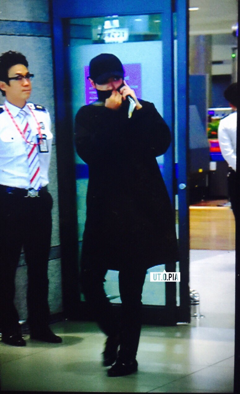 TOP Arrival Seoul Incheon 2016-05-20 (13)