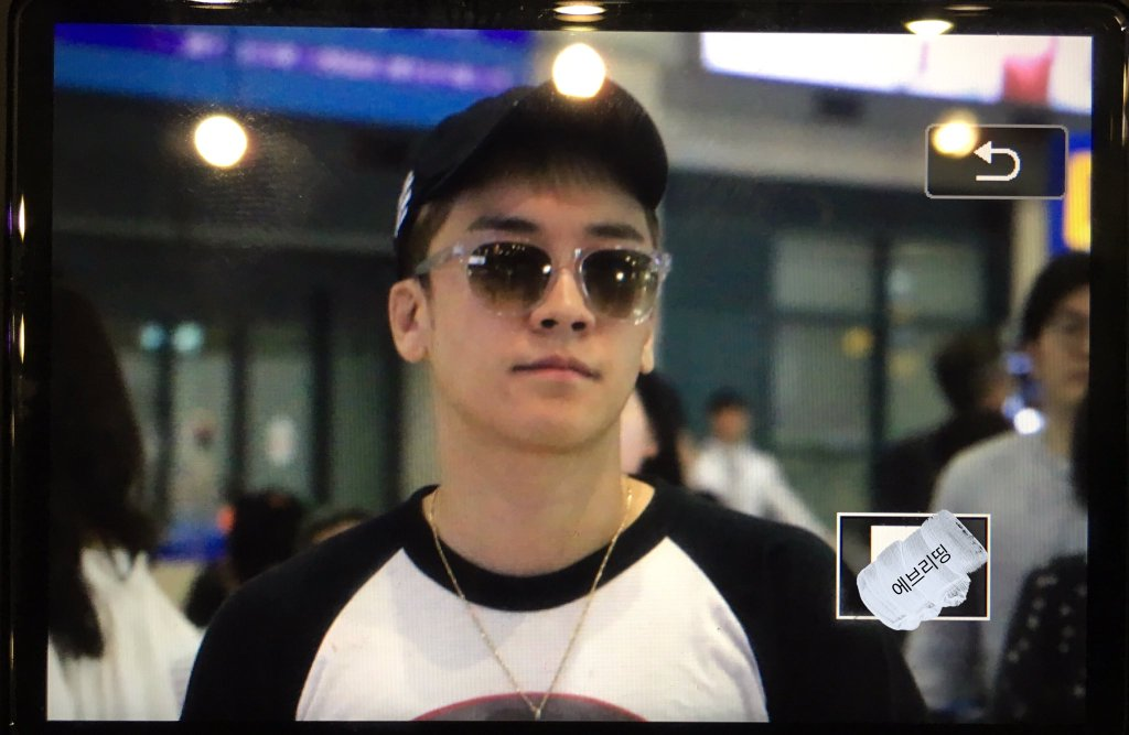 Seungri Arrival Seoul Incheon From Shanghai 2016-05-20 (5)