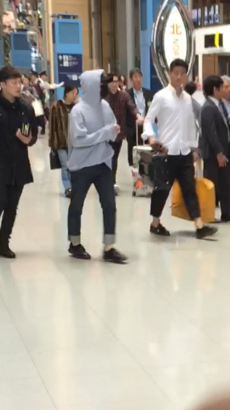 Big Bang - Kansai Airport - 27may2016 - SEUNGRI____12 - 02