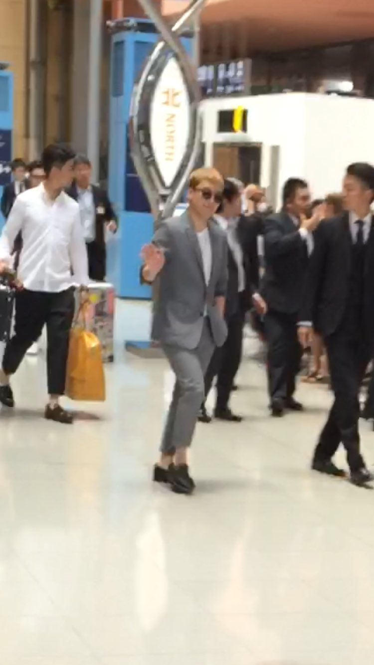 BIGBANG - Kansai Airport - 27may2016 - SEUNGRI____12 - 01