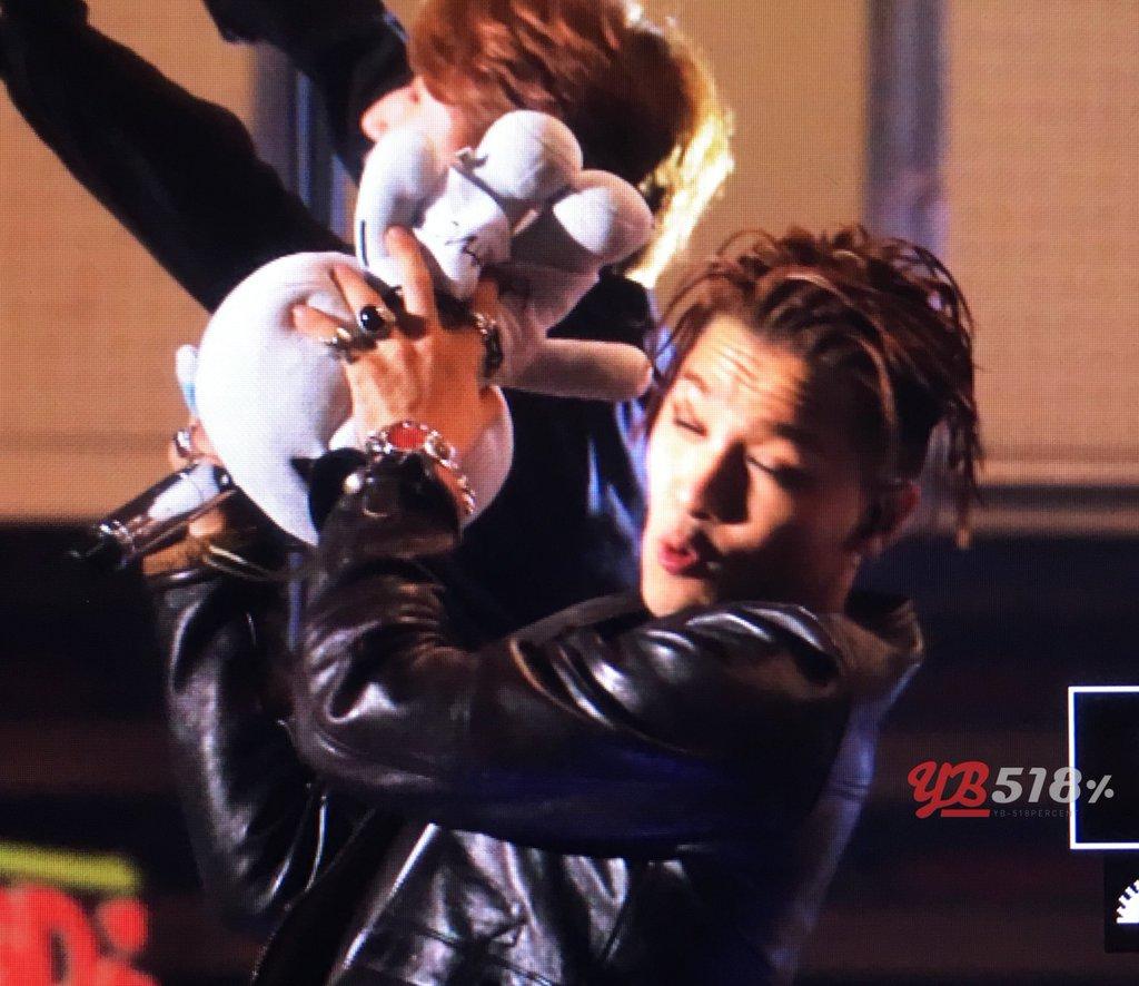 BIGBANG - FANTASTIC BABYS 2016 - Kobe - 28may2016 - YB 518 - 07
