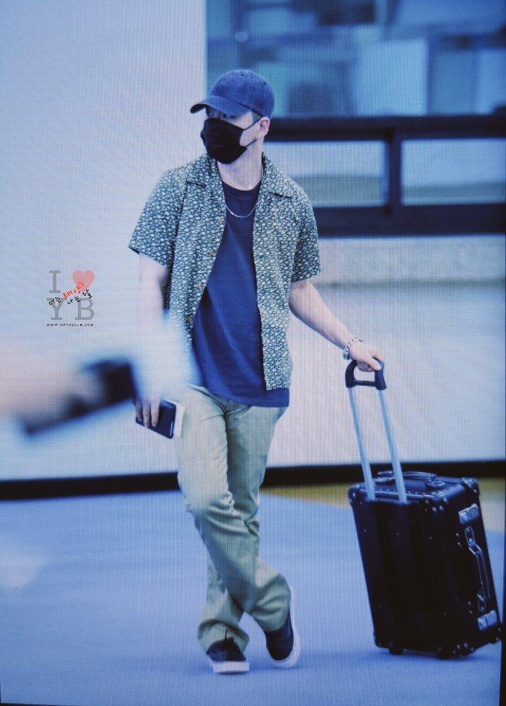 Daesung And Taeyang Arrival Seoul 2016-05-30 (2)