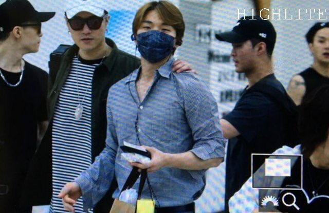 Daesung And Taeyang Arrival Seoul 2016-05-30 (7)