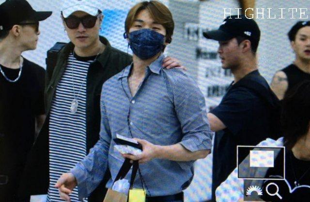 Daesung And Taeyang Arrival Seoul 2016-05-30 (11)