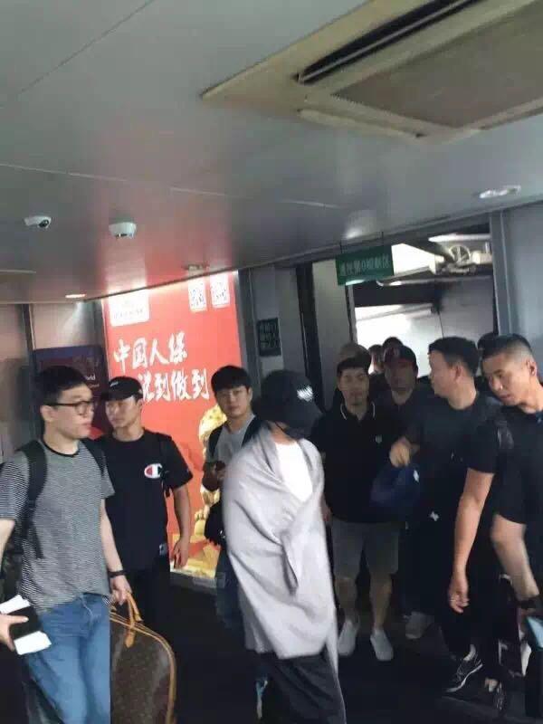 BIGBANG Arrival Foshan 2016-06-10 Mr_Jason-杰 (2)