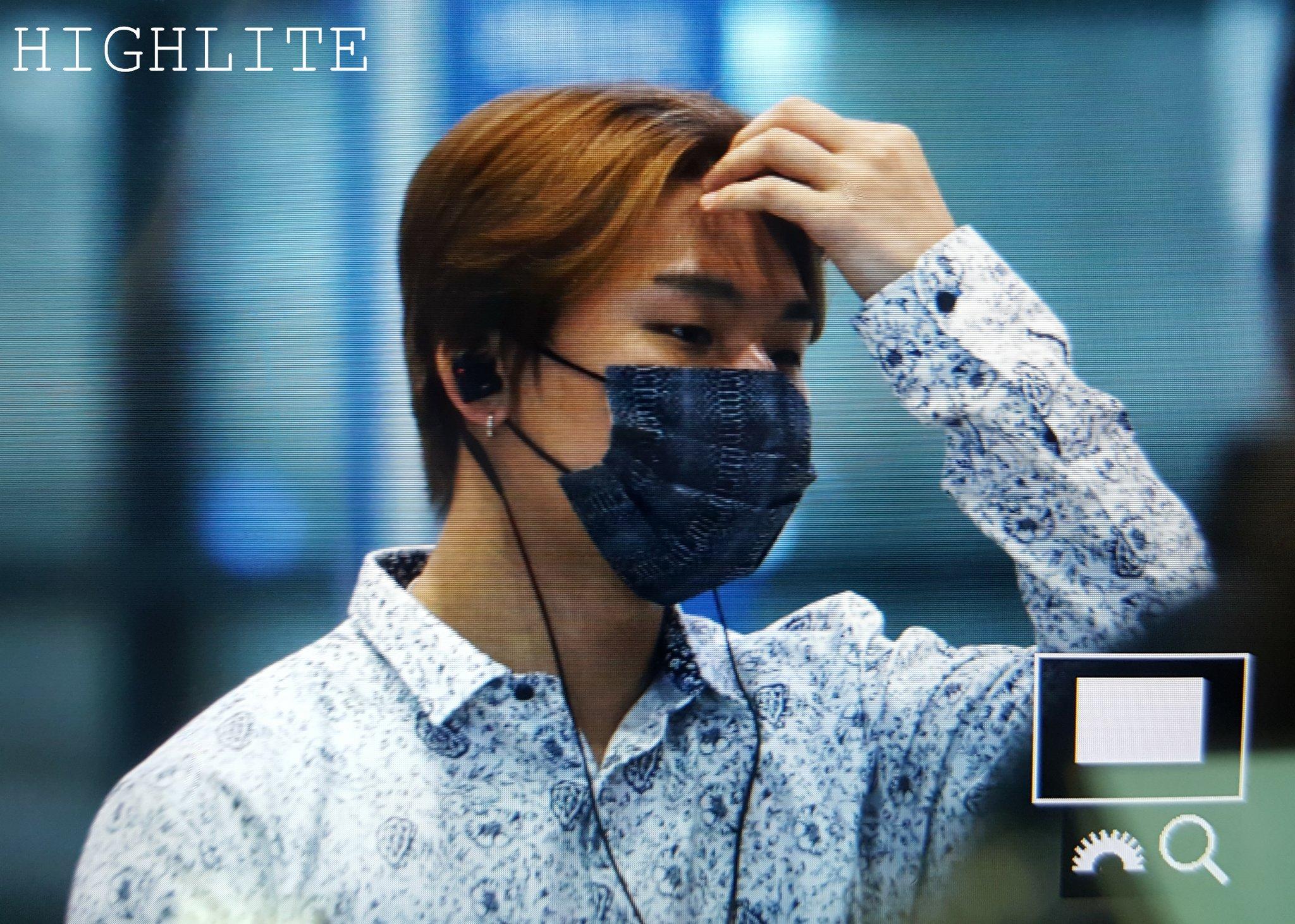 GD YB Dae Arrival Seoul 2016-06-13 (34)