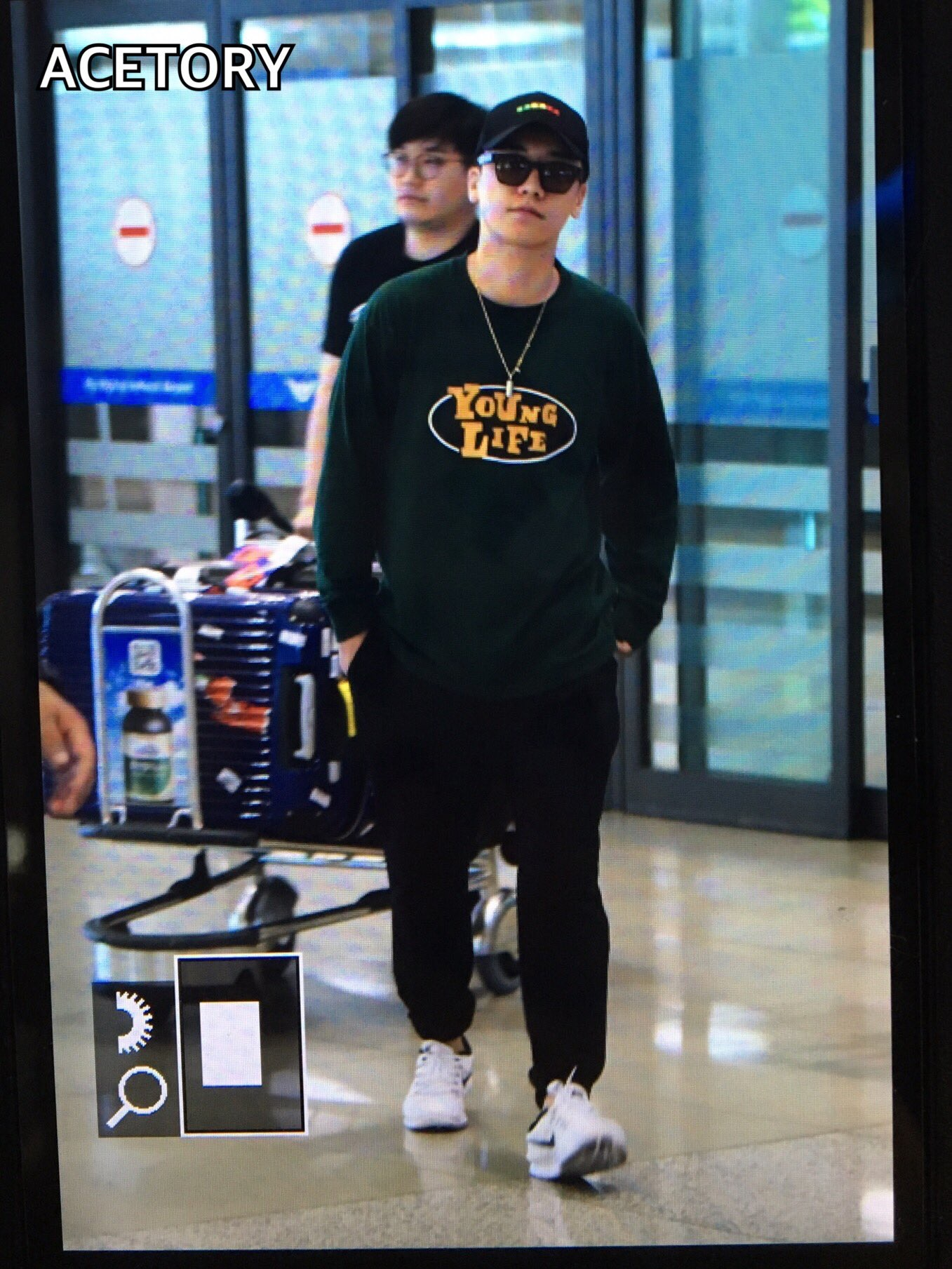 Seung Ri - Incheon Airport - 16jun2016 - Acetory - 01