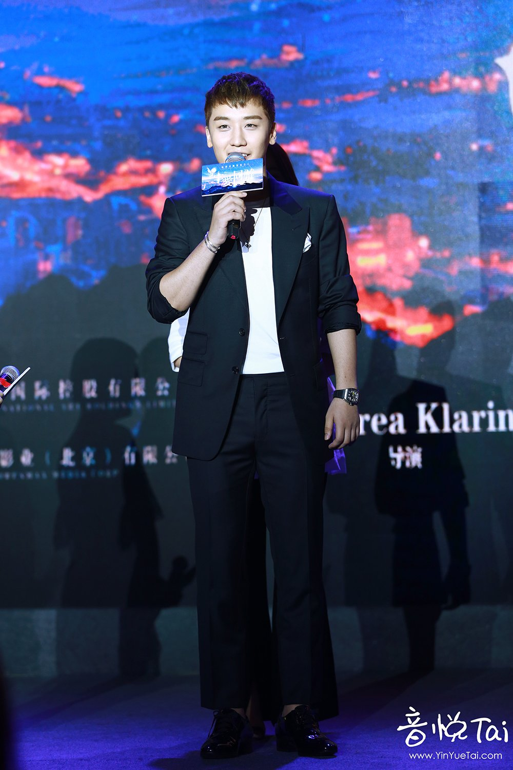 Seungri Press Conference for Chinese Movie 2016-07-16 (42)