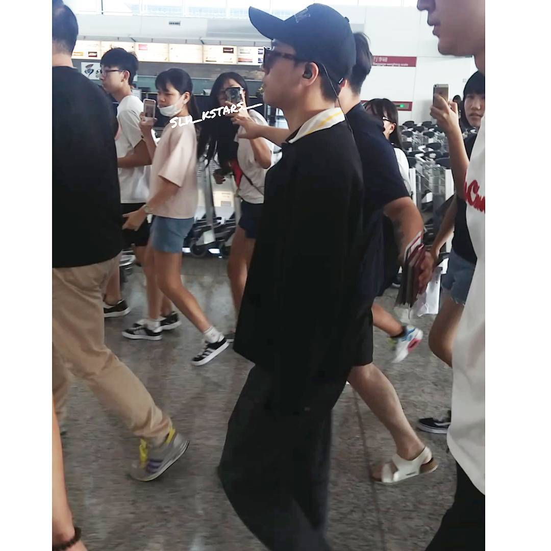Seung Ri - Hong Kong Airport - 07aug2016 - slh_kstars__ - 01